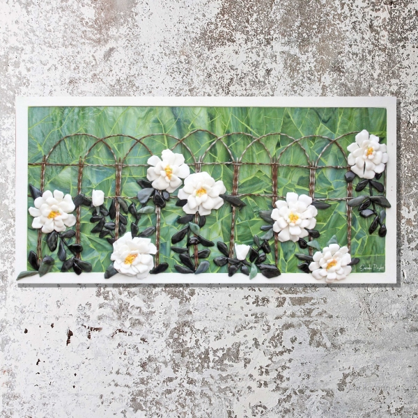 Sarah-Pryke—White-Roses-on-Wall
